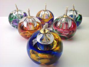 As- olielampje U04 kristalglas diverse kleuren Inh. 80 ml Afm. 8 cm € 71,00