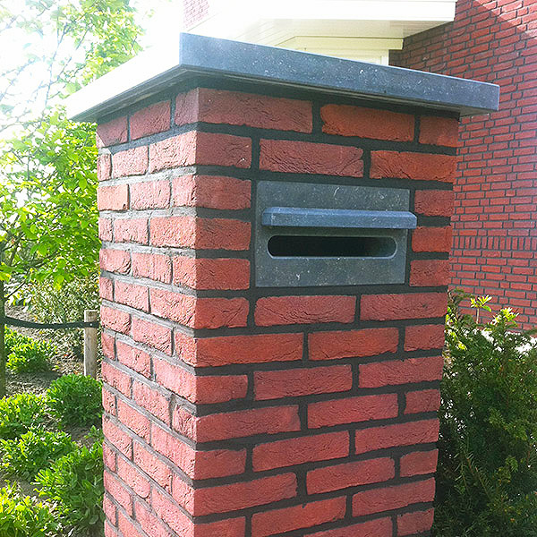 natuursteen brievenbus