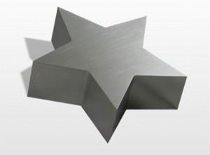 RVS urn Star Inhoud 0,2 L Afm. 12x12x5 cm € 300,00 Inhoud 1 L Afm. 24x24x6 cm € 570,00 Inhoud 3,5 L Afm. 37x37x8 cm € 958,00
