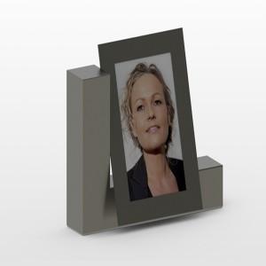 RVS photo urn Inhoud 1L Afm. 9x30x22 cm € 420,00 Ook mogelijk met aluminium foto